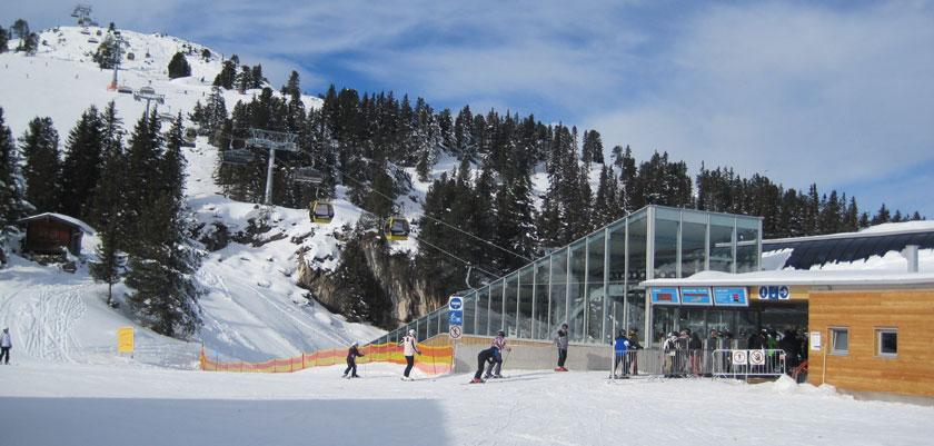 austria_mayrhofen_ski-lift.jpg